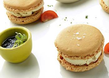 Les Macarons au foie gras et Chabichou de la Crèmerie Royale